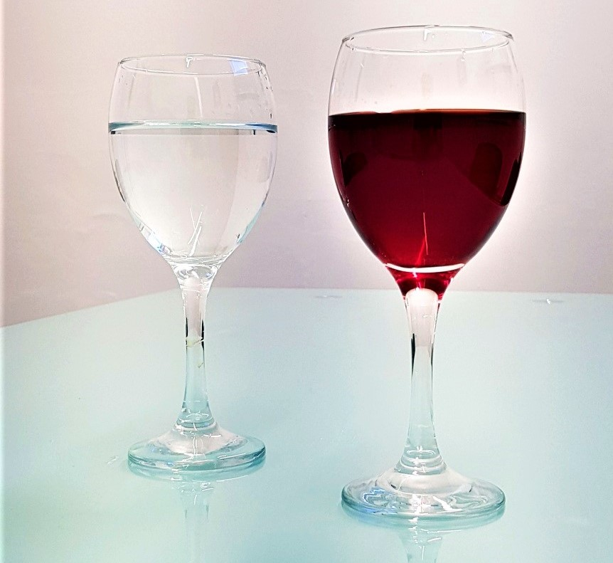 water-to-wine-magic-trick-glasses-2.jpg