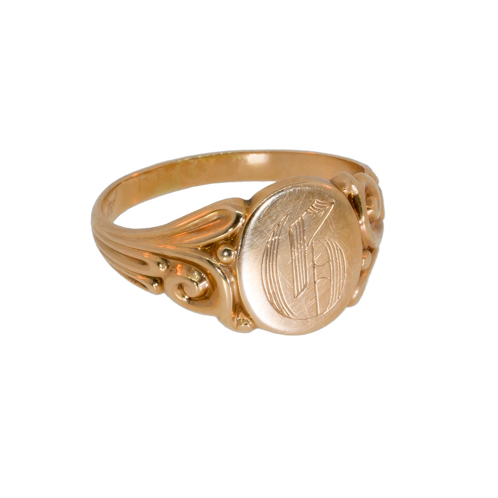 da4c1d46ae1bc Vintage: Signet Ring in Gold with Gothic Script