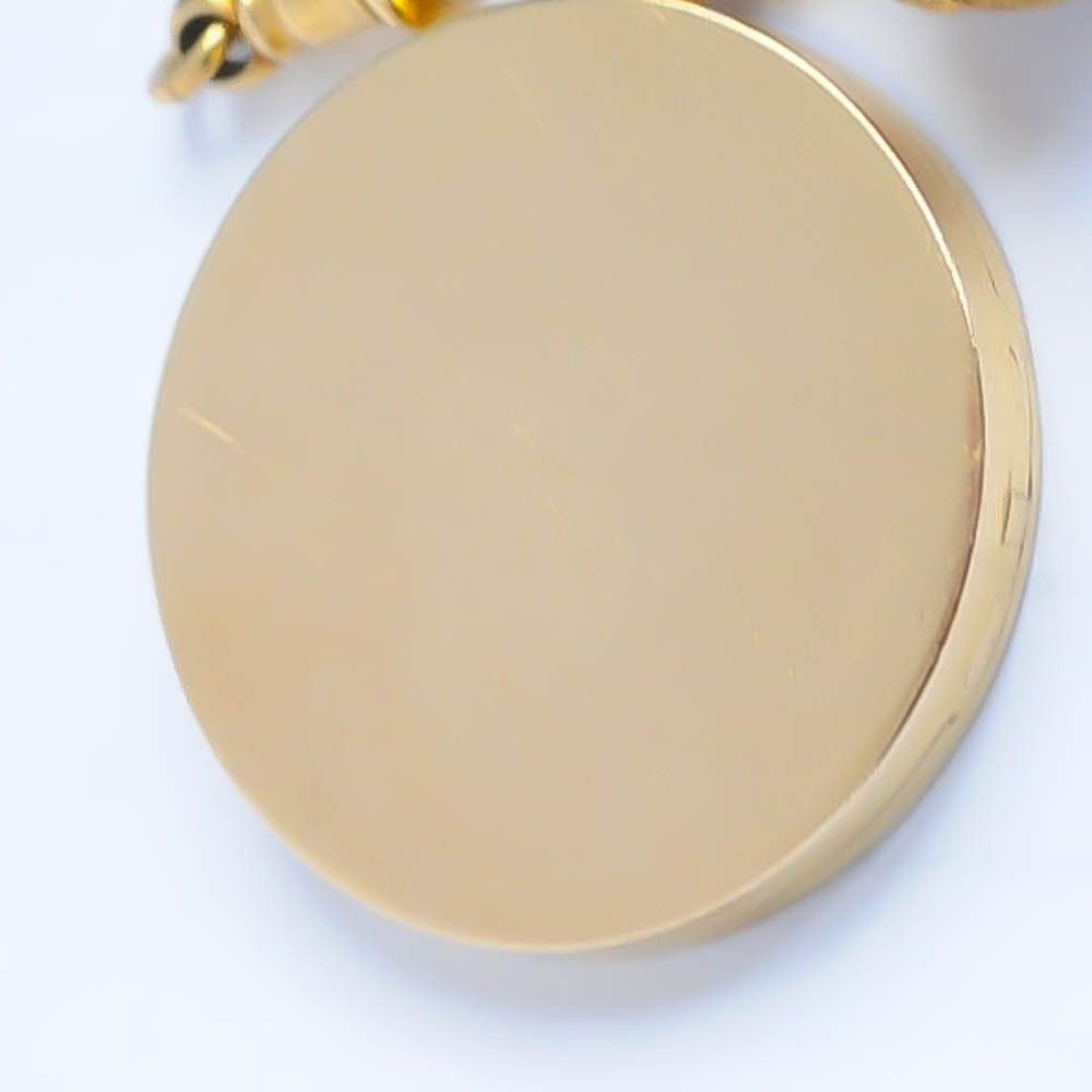 Antique Round Gold Locket in 18 Kt Gold