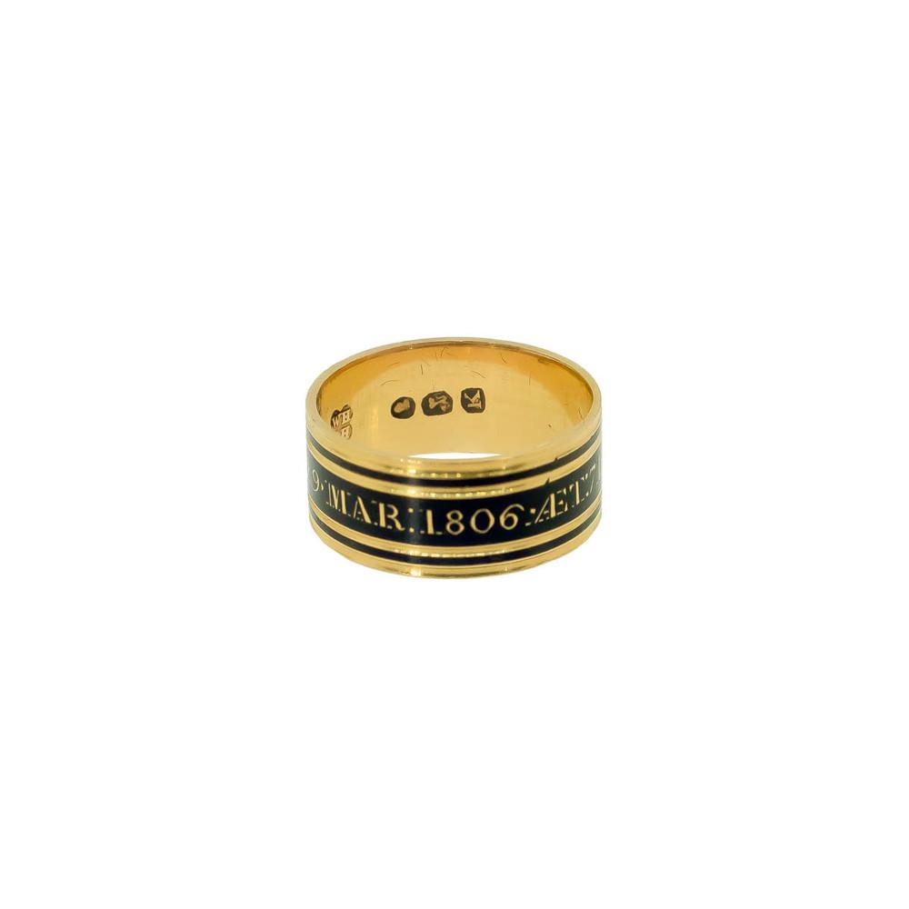 Georgian memorial ring in 18 ct gold and black enamel