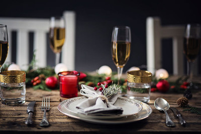 Festive Dinnerware for Year-Round Entertaining