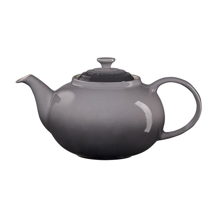 Le Creuset Traditional Teapot in Oyster
