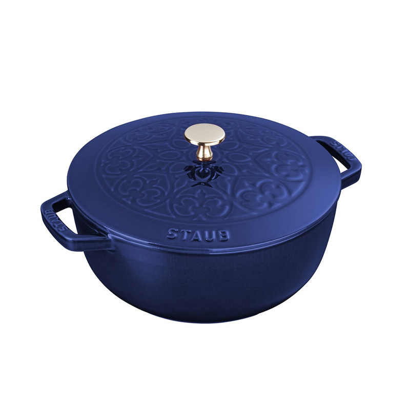 Staub Essential French Oven Lily in Dark Blue
