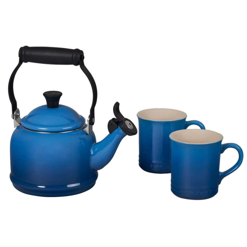Le Creuset Demi Kettle and Mugs Set in Marseille