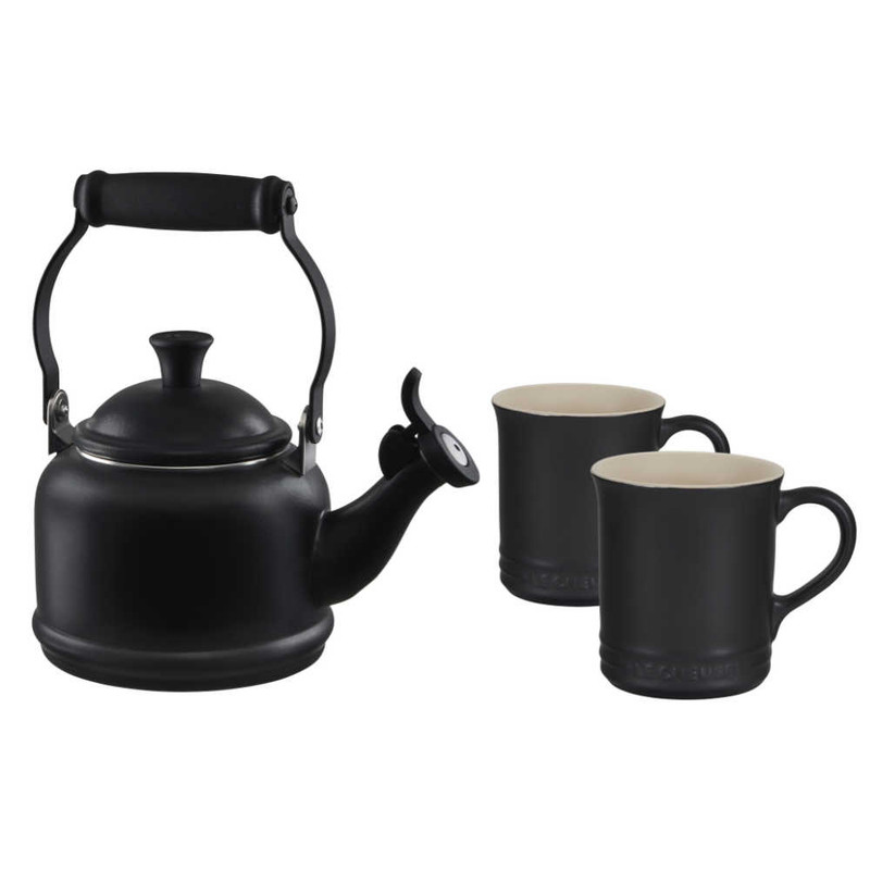 Le Creuset Demi Kettle and Mugs Set in Licorice