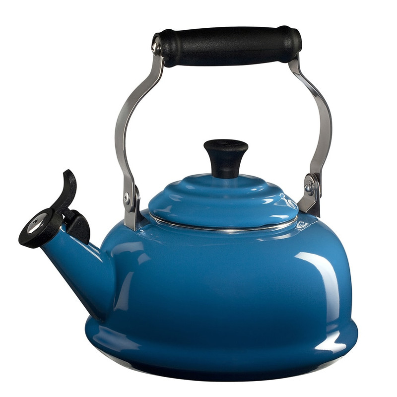 Le Creuset Classic Whistling Kettle in Marseille Blue