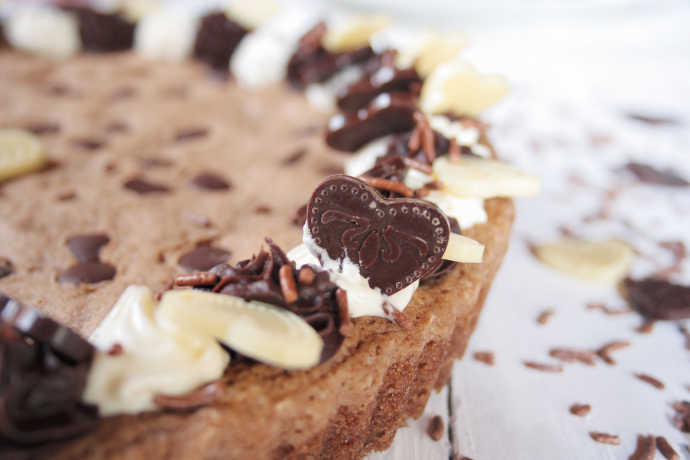 10 Tips to a Scrumptious Cookie Cake