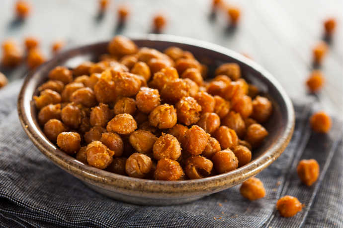 Roasted Chickpeas: Turn Canned Beans Into a Tasty Snack