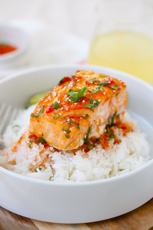 Sweet & Spicy Honey Sriracha-Glazed Salmon