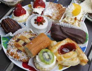 Miniature Dessert Assortment - 55 pieces per tray
