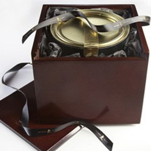 Cafe Carmellata au Sel Pecans in Wooden Gift Box