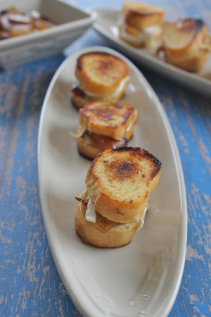 Mini Caramelized Pear & Brie Grilled Cheese - 30 pieces per tray