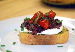 Roasted Tomato Olive Tapenade Bruschetta - 42 pieces per tray