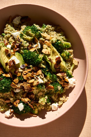 Sesame Lentil with Quinoa and Broccoli