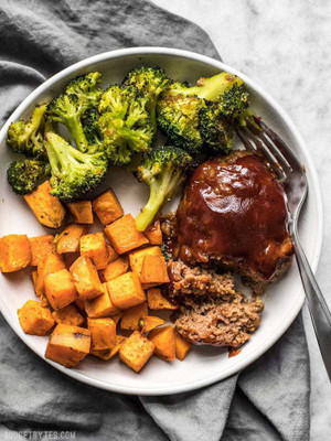 BBQ TURKEY MEATLOAF WITH ROASTED SEASONAL VEGETABLES