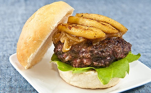 DUCK BURGERS WITH APPLES AND ONIONS