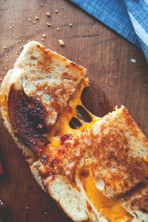 Tomato Jam Grilled Cheese Sandwich