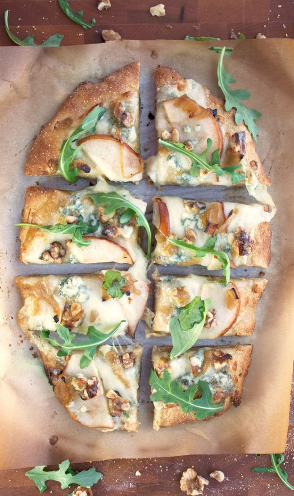 PEAR, WALNUT, BLUE CHEESE ARTISAN PIZZA