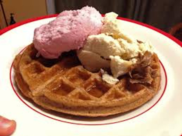Halo Top Creamery - Birthday Cake Ice Cream - 1 Pint -- Healthy!