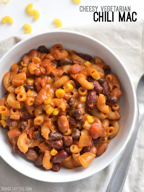 Cheesy Vegetarian Chili Mac