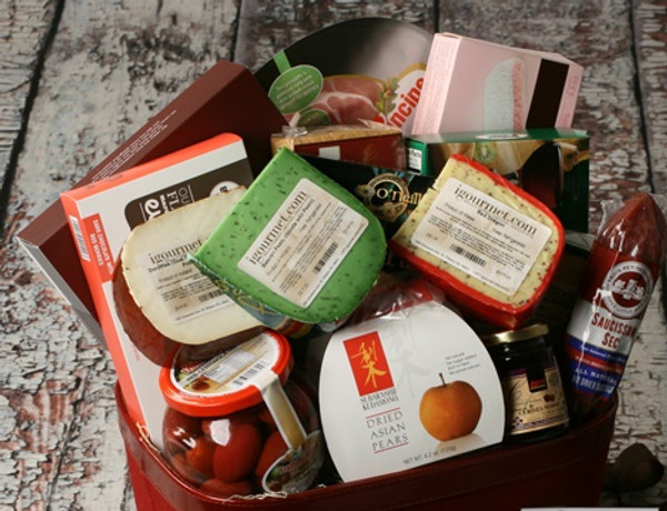 Extravagant Taste of The World Gourmet Gift Basket / Box