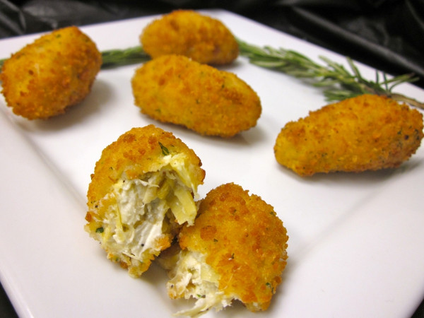 Breaded Parmesan Artichoke Hearts - 50 pieces per tray