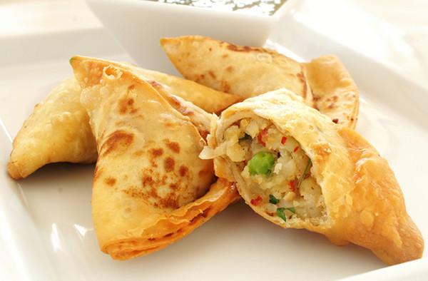 Vegetable Samosa - 56 pieces per tray