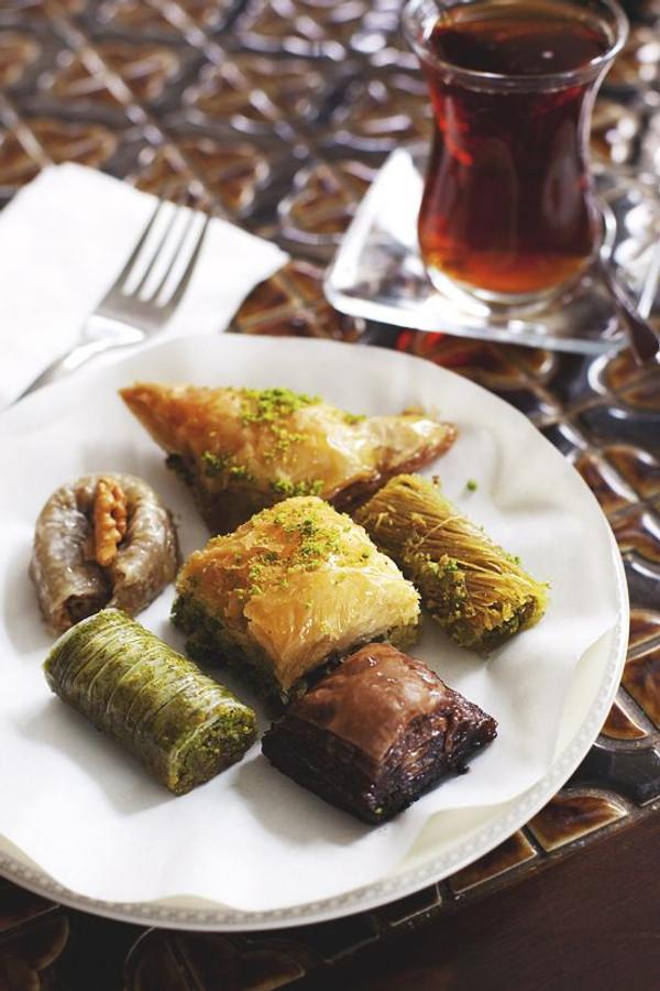Baklava Assortment - 50 pieces per tray