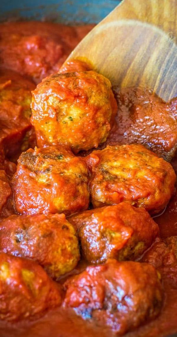 Chicken Meatballs w/ Marinara Sauce - per 1 lb