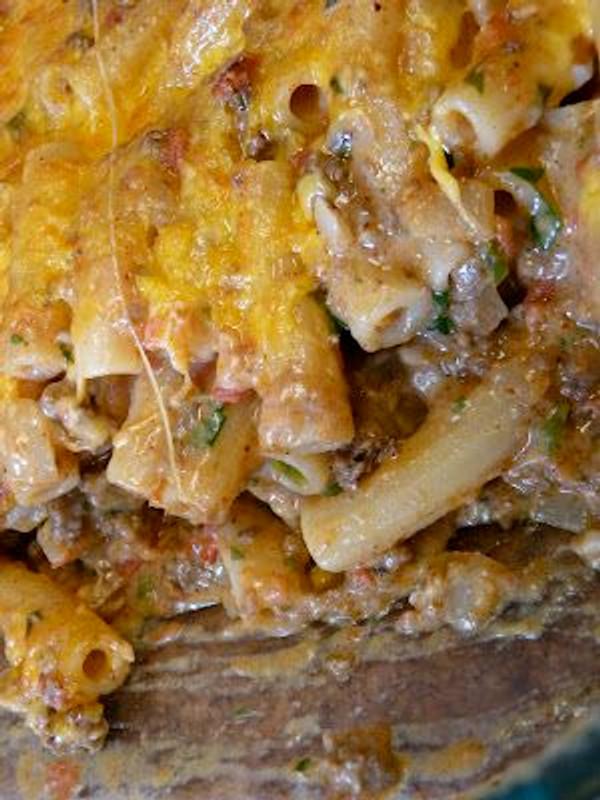 Chili Con Queso (Mexican Cheese Dip)
