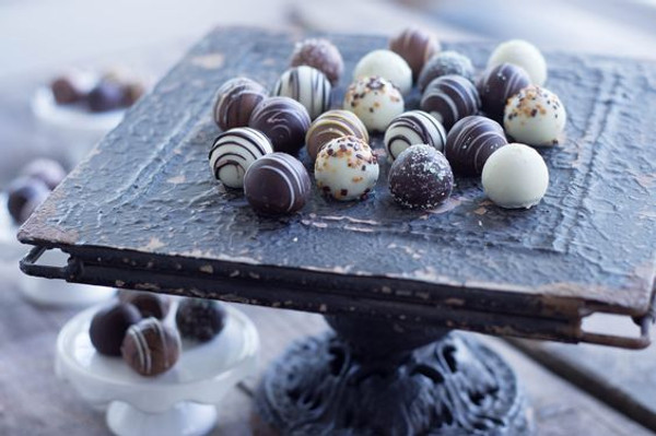 Chocolate Truffles Assortment - 35 pieces per tray
