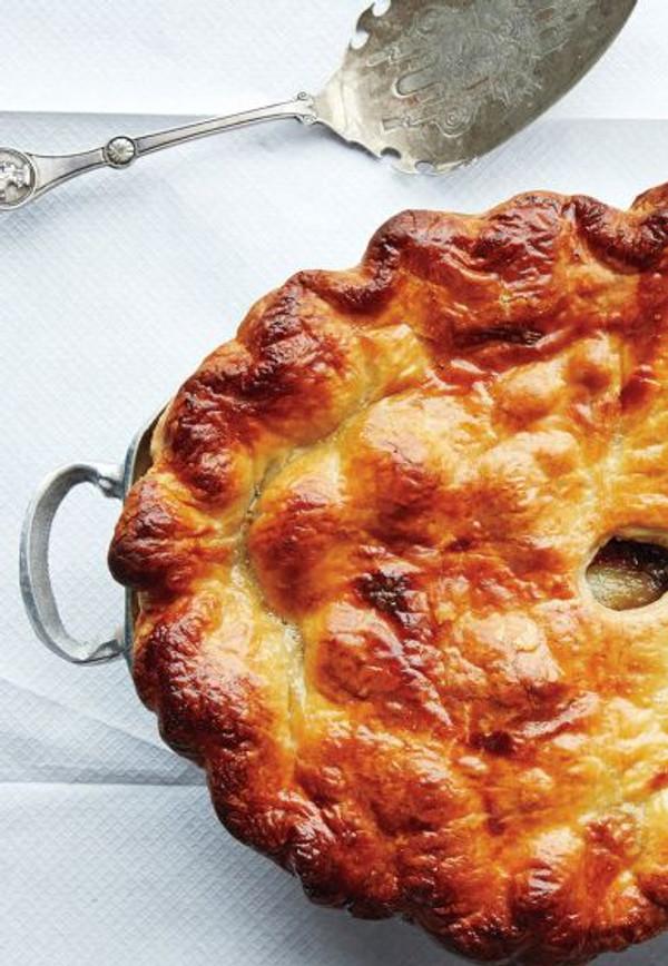Beef Bourguignon Pot Pie - Serves 6