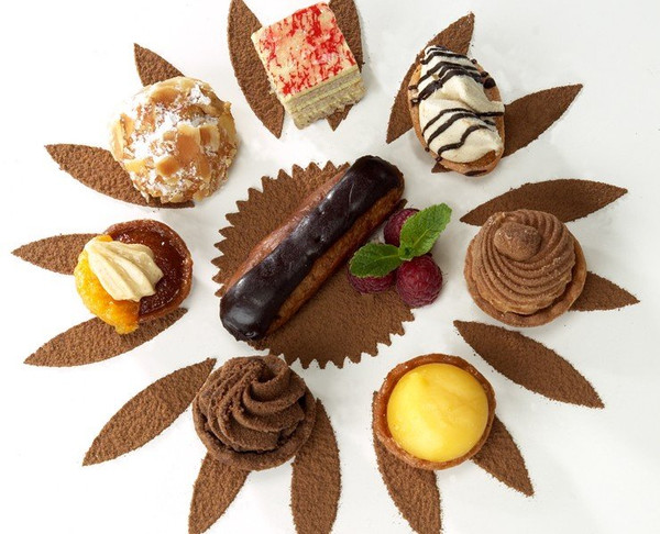 Assorted Petit Fours - 100 pieces