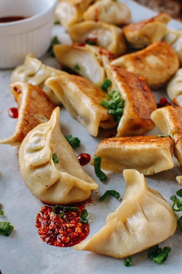 Chicken and Cilantro Dumpling Potstickers - 100 pieces per tray