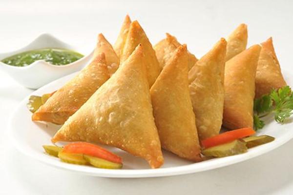 Thai Curry Samosas - 25 pieces per tray