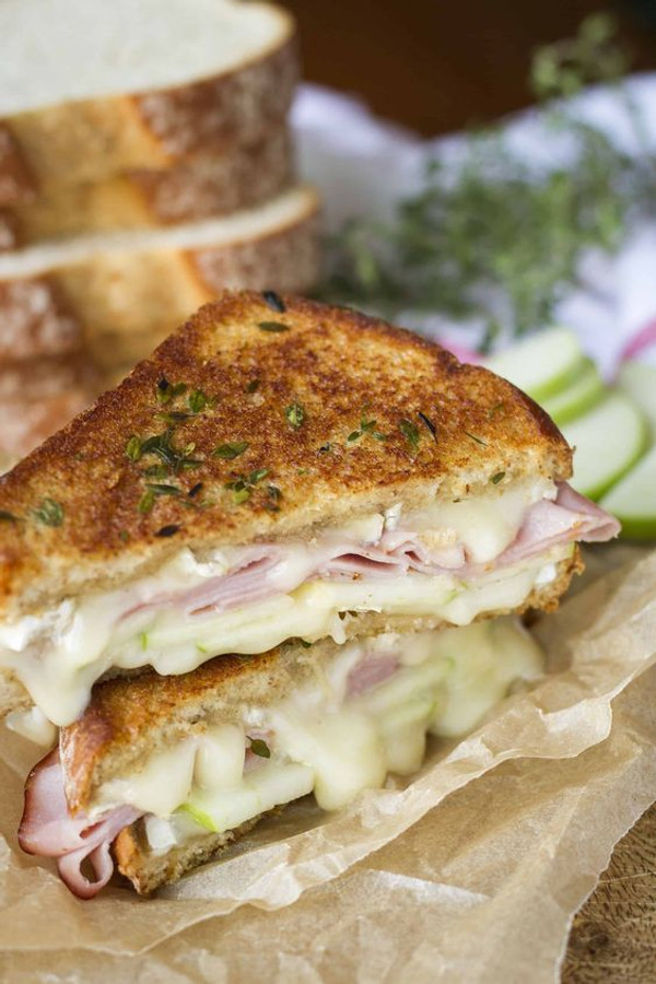 Mini Apple, Ham & Brie Grilled Cheese Sandwiches - 50 pieces per tray