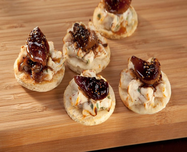 Balsamic Fig & Goat Cheese Flatbread Bites - 120 pieces per tray