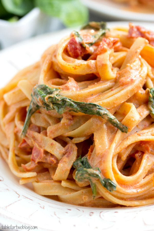 Sundried Tomato Fettuccine {Lightened Up}