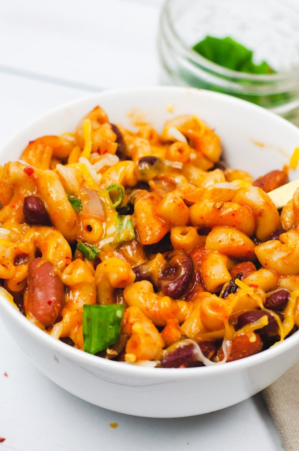 Vegetarian Chili with Vegan Mac and Cheese
