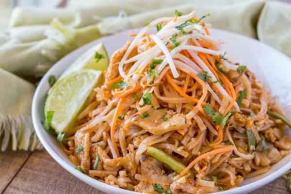 Chicken Pad Thai ( Organic Pasture Raised)