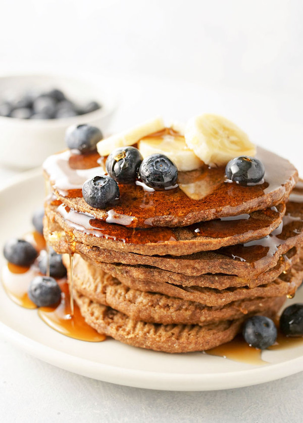 BUCKWHEAT PANCAKES WITH Granola & Berries