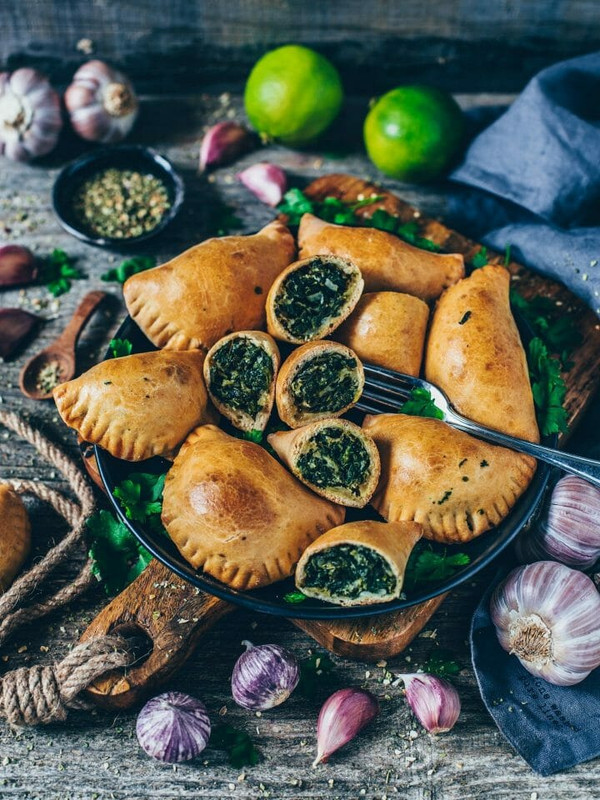 Spinach & Cheese Large Empanadas - includes 8