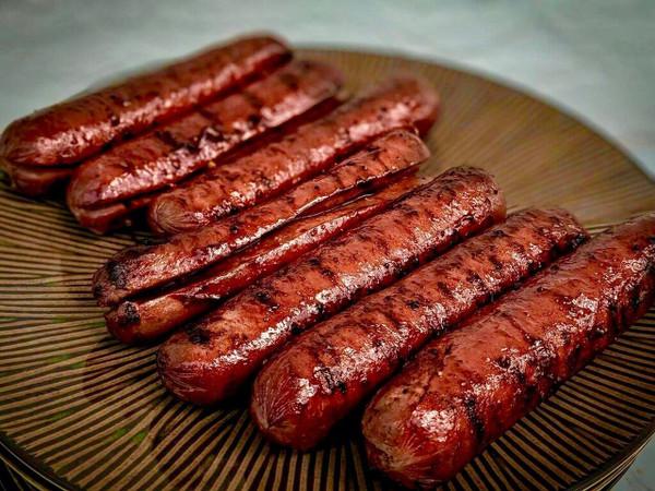 "Wagyu Beef Franks, 6"" ea - includes 6"