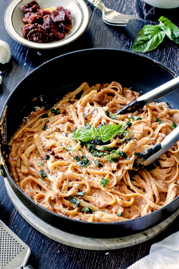 LIGHTENED UP SUNDRIED TOMATO FETTUCCINE ALFREDO