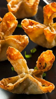 Crab Rangoon 35 Pieces Per Tray