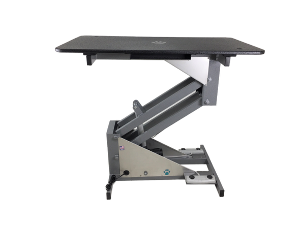 Side view of the grooming table