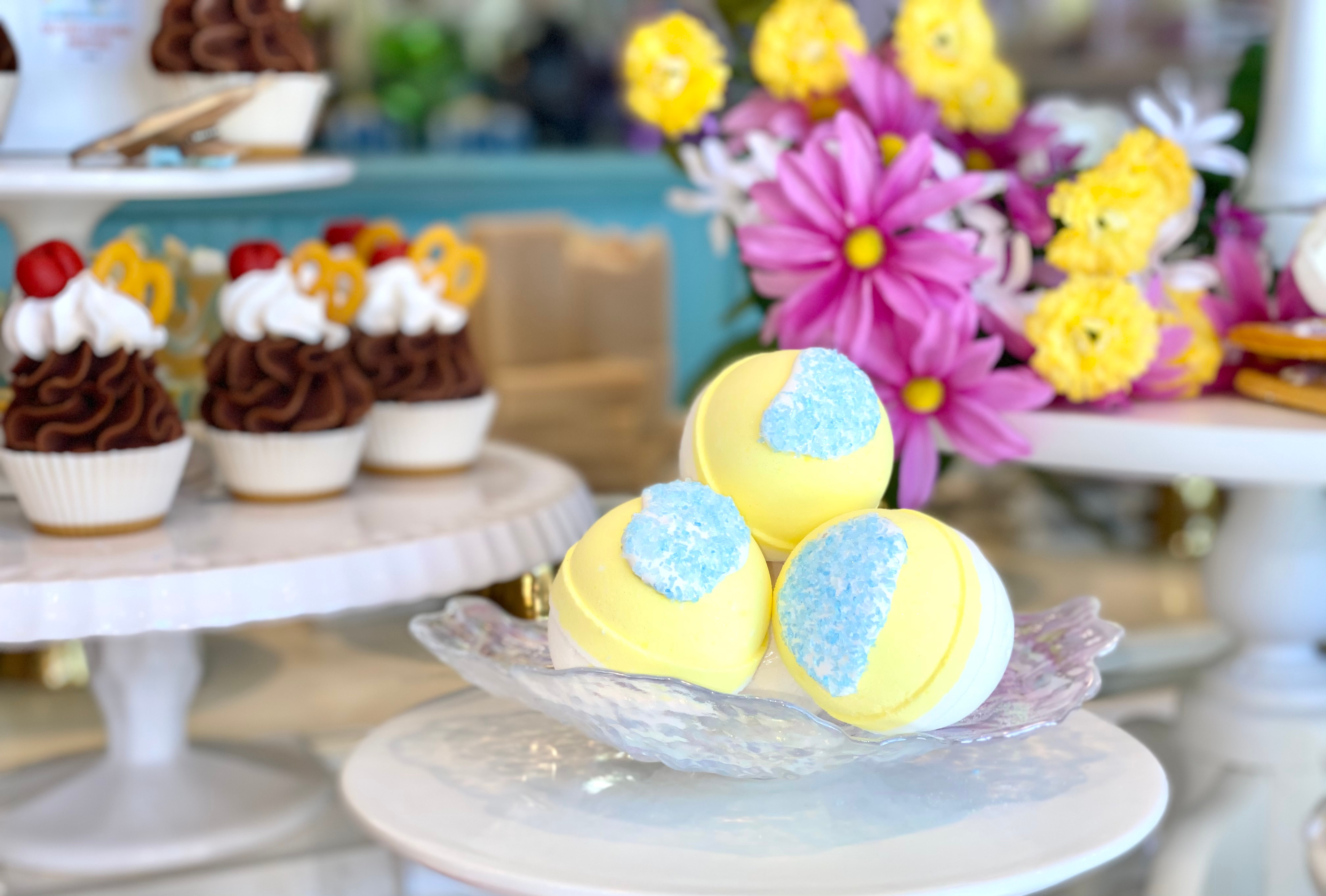 NEW! Pineapple & Coconut Water Butter Bomb (lg)
