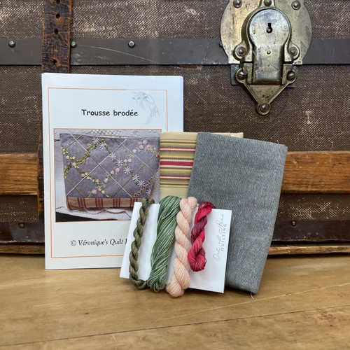 Trousse Brodée Shop Curated Embroidery Kit in Grey