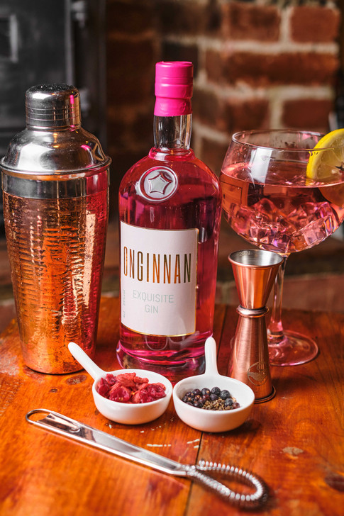 A premium London Dry Gin with a natural raspberry infusion. How are real pink gin should taste.