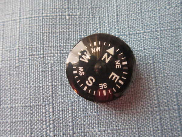20 MM AA quality Button Compass